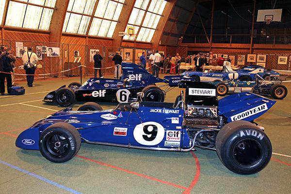 FRANCOIS CEVERT HOMMAGE MONTLHERY LES deux TYRRELL FORD F1 de STEWART et CEVERT 5 octobre 2013 photo Gilles VITRY.