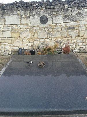 FRANCOIS-CEVERT-Sa-tombe-dans-le-cimetiere-de-VAUDELNAY