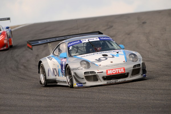 GT-TOUR-2013-LEDENON-PORSCHE-PRO-GT-ALMERAS-de-DERMONT-GUIBERT-seconde-course-dimanche-13-octobre-photo-Claude-MOLINIER