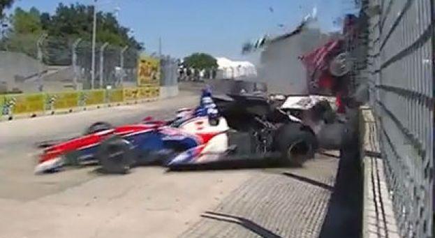 INDYCAR 2013 HOYSTON le crash de DARIO FRANCHITTI avec SATO
