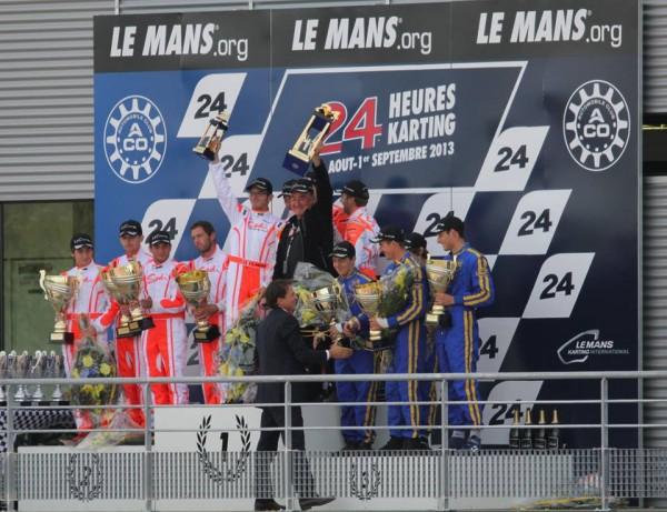 KARTING-24-HEURES-DU-MANS-2013-Le-podium-avec-les-deux-equipes-SARTHE-RTKF-1-et-2-et-La-MANCHE