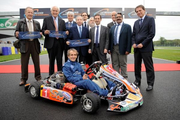KARTING Inauguration Circuirt de karting par Alain PROST VENDREDI 25 OCTOBRE 2013.