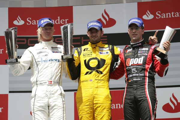 SUPERCUP-2013-BARCELONE-PODIUM-2eme-Nicki-Thiim-DK-1er-Sean-Edwards-GB3eme-Michael-Ammermüller-D-Podium-Porsche-Mobil-1-Supercup