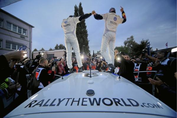 WRC 2013 ALSACE SEB OGIER gagne le Rallye de FRANCE le 6 octobre.