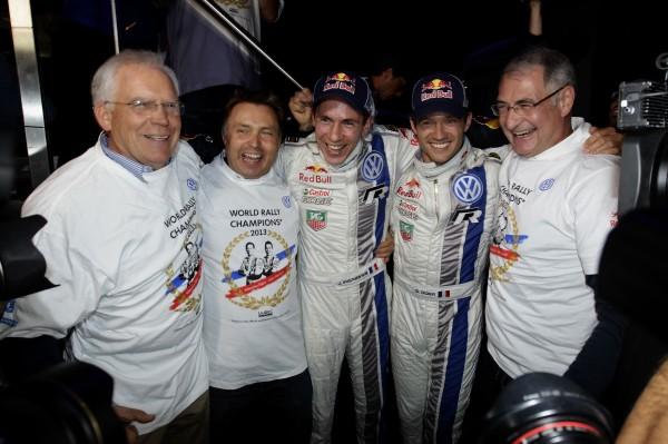 WRC-2013-ALSACE-le-Dr-Ulrich-Hackenberg-Jost-Capito-Julien-Ingrassia-Sébastien-Ogier-Dr-Heinz-Jakob-Neußer-fetent-le-titre-mondial-des-Français.