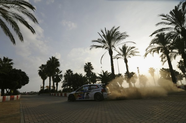 WRC-2013-CATALOGNE-VW-de-LATVALA-ANTTILA