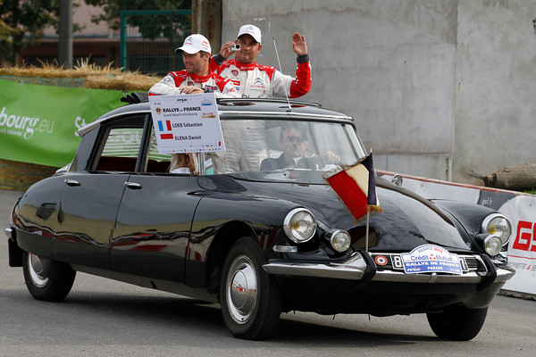 WRC-2013-DS-CITROEN-Présidentielle-pour-SEB-LOEB-et-DANIEL-ELENA-photo-JoLILLINI