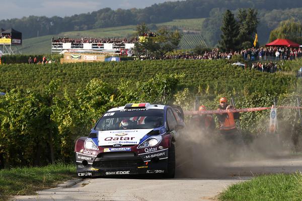 WRC-2013-FORD-FIESTA-de-RTghierry-NEUVILLE-photo-JoLILLINI