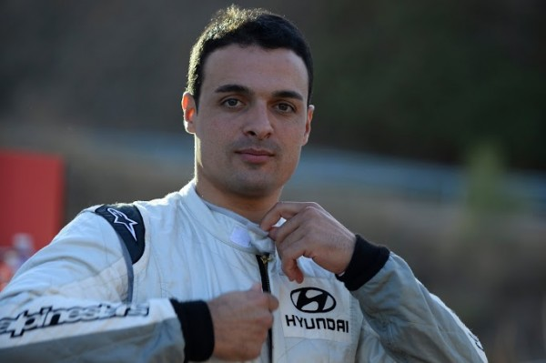 WRC-2013-HYUNDAI-Essais-CATALOGNE-29-octobre-Bryan-BOUFFIER.