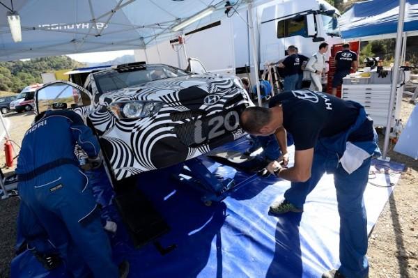 WRC-2013-HYUNDAI-MOTORSPORT-Test-29-octobrte-CATALOGNE-a-FALSET-Photo-Richard-BALINT