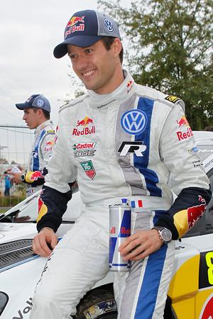 WRC-2013-Seb-OGIER-NOUVEAU-CHAMPION-DU-MONDE-photo-JoLILLINI