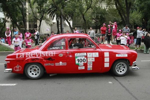 CARRERA-PANAMERICANA-2013-Il-regne-toujours-un-air-de-folklore-type-années-50
