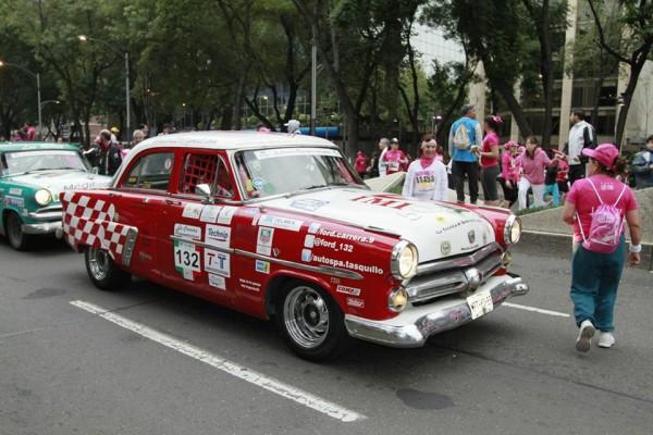 CARRERA-PANAMERICANA-2013-les-belles-Americaines-des-années-50