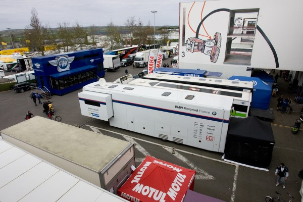 Déplacements plus faciles en Europe, ici à  Magny Cours_  Photo Michel Picard Automotonews infos