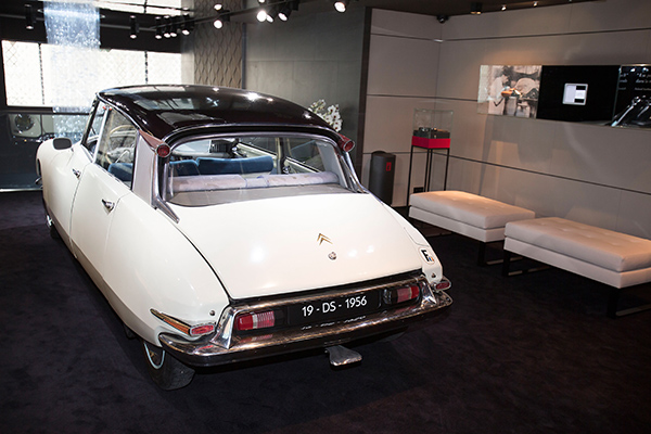 DS WORLD PARIS SHOWROOM DS CITROEN de 1956