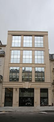 DS-WORLD-PARIS-SHOWROOM-DS-rue-Francois-1er-la-facade.