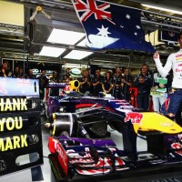 F1-2013-SAO-PAULO-Le-TEAM-RED-BULL-remercie-son-pilote-Mark-WEBBER-qui-se-retire-de-la-F1