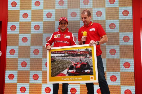 F1-2013-SAO-PAULO-dernier-GP-pour-FELIPE-MASSA-VHEZ-FERRARI-photo-SHELL
