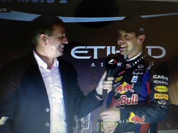 F1-ABOU-DHABI-Martin-BRUNDLE-intervierwe-Seb-VETTEL-sur-le-podium.