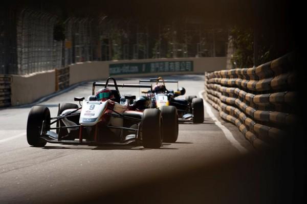 F3-GP-DE-MACAO-ALEX-LYNN-Team-PREMA-POWER-TEAM-THEODORE-RACING-1er-course-de-qualification