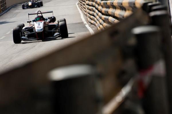 F3-GP-de-MACAO-Victoire-pour-ALEX-LYNN-du-Team-THEODORE-PREMA-POWERTEAM