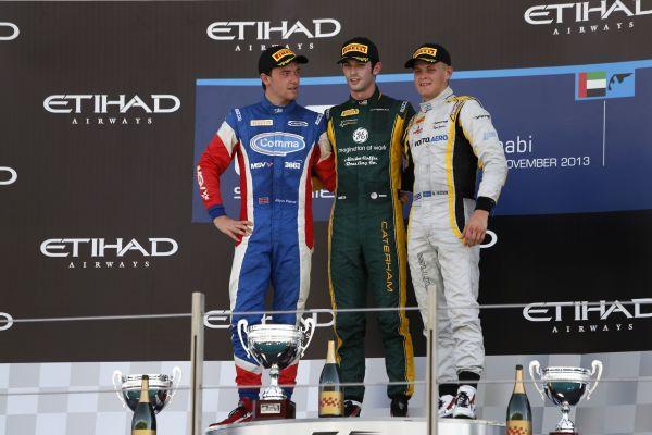 GP2-2013-ABOU-DHABI-le-1er-podium-avec-Jolyon-Palmer-de-Carlin-Alexander-Rossi-1er-de-Caterham-Racing-et-Marcus-Ericsson-de-DAMS