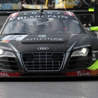 GT-FIA-2013-AUDI-WRT-en-pole-le-23-novembre-Photo-SRO