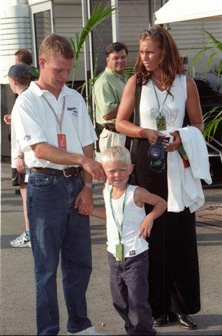 MAGNUSSEN-Jan-Magnussenson-épouse-et-le-jeune-Kevin-5ans-en-1997©-Manfred-GIET