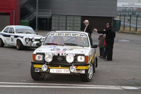 Quoi de plus beau que d'emprunter le mythique le circuit de Spa-Francorchamps sur une voiture mythique-© Manfred GIET