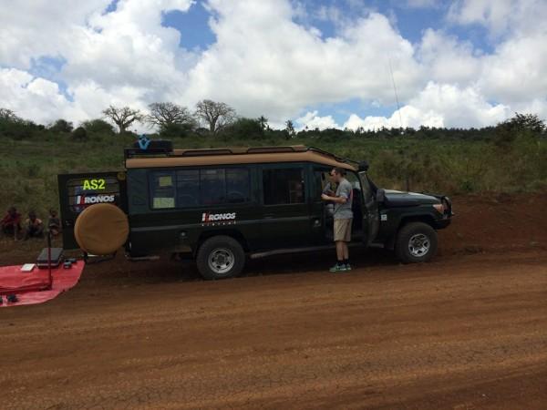 SAFARI-KENYA-2013-Assistance-Team-Kronos-sur-la-piste