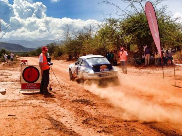 SAFARI-KENYA-2013-Depart-de-la-seconde-etape-pour-la-PORSCHE-KRONOS-N16-de-VANDROMME-VIVIER.