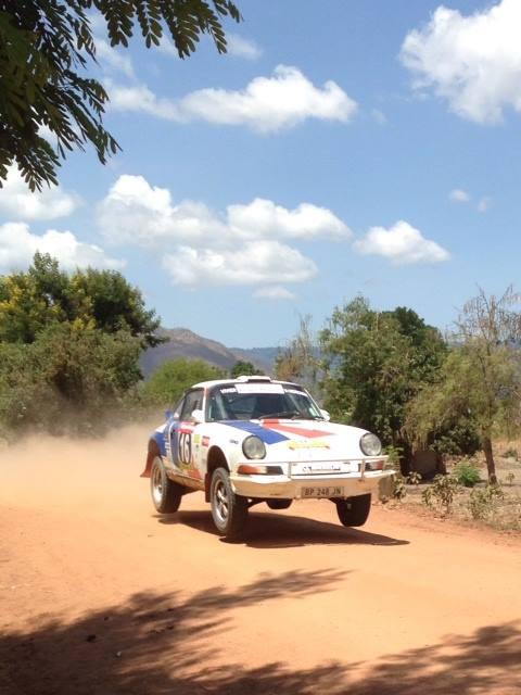 SAFARI-KENYA-CLASSIC-2013-La-PORSCHE-KRONOS-num-16-en-pleine-speciale.