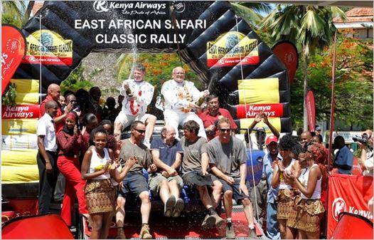 SAFARI-KENYA-CLASSIC-2013-Podium-pour-le-Team-PORSCHE-TUTHIIL-avec-DUNCAN-et-BLOMQVIST