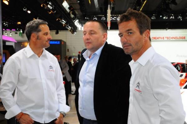 SALON-DE-FRANCFORT-2013-Le-Directeur-de-Citroën-Sport-Yves-Maton-entouré-de-Seb-Loeb-et-Yvan-Muller-les-futurs-pilotes-de-la-CITROEN-WTCC