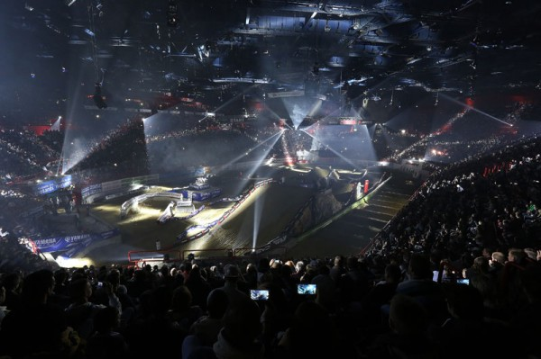 SUPERCROSS-DE-PARIS-BERCY-2013-la-piste