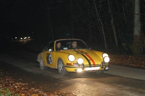 TOUR-DE-BELGIQUE-HISTORIQUE-2013-Guilmain-V-Guilmain-J-Porsche-911-neuvièmes-©-Manfred-GIET