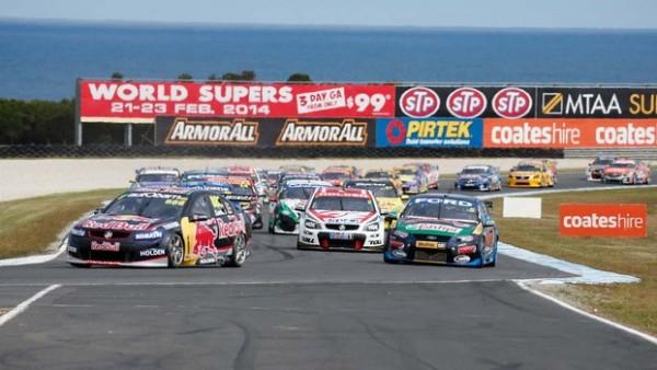 V8-SUPERCAR-2013-PHILIP-ISLAND-le-départ