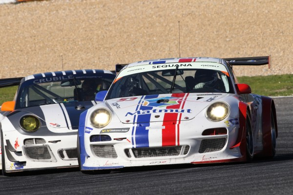 Vde V 2013 Estoril - la Porsche IMSA victorieuse devant la PORSCHE seconde du Team CRUBILE
