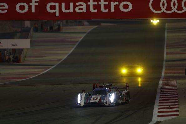 WEC-2013-BAHREIN-AUDI-Numero-1.en chasse derrière la Toyota 8