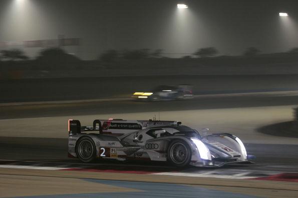 WEC-2013-a-BAHREIN-AUDI-la-nuit-commence-a-tomber-sur-le-circuit-de-SAKHIR.