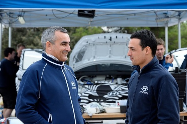 WRC-2013-HYUNDAI-Essais-CATALOGNE-29-octobre-Alain-PENASSE-et-Bryan-BOUFFIER