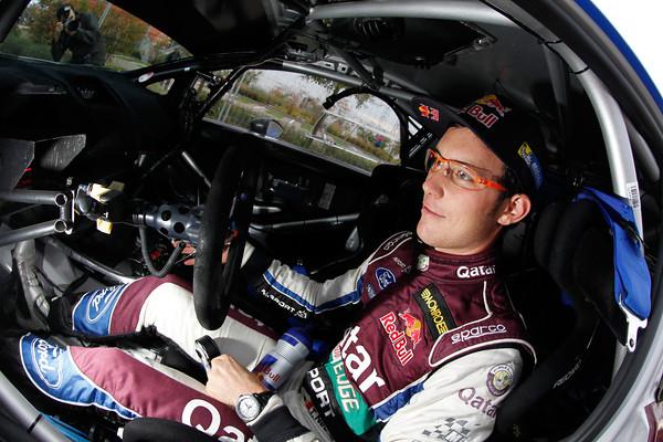 WRC-2013-Thierry-NEUVILLE-photo-JoLILLINI