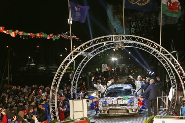 WRC-2013-WALES-VW-POLO-depart
