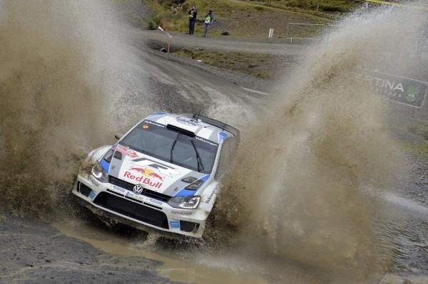 WRC-2013-WALES-la-POLO-VW-de-OGIER-et-INGRASSIA