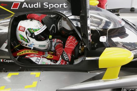 2011-SPA-McNish-cockpit Audi.