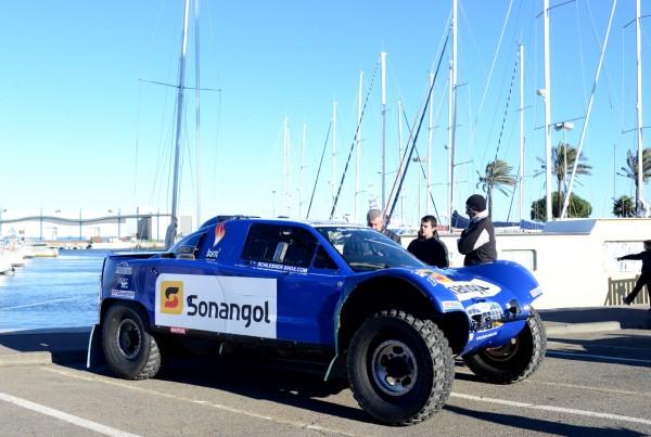 AFRICA RACE 2014 Le buggy SCHLESSER sur le port de ST CYPRIEN.