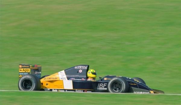 Christian-Fittipaldi-en-1993-chez-lui-à-Sao-Paulo-sur-la-Minardi-©-Manfred-GIET