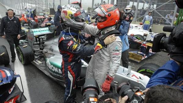 F1-2012-AO-PAULO-VETTEL-et-SCHUMACHER-arrivee-GP-BESIL