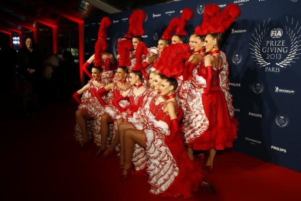 FIA REMISE DES PRIX Ve,ndredi 6 Decembre 2013 a PARIS - les DORIS GIRLS danseuses du MOULIN ROUGE