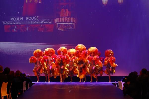 FIA REMISE DES PRIX Vendredi 6 Decembre 2013 a PARIS - les GIRLS du MOULIN ROUGE